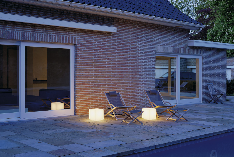 standleuchte dett alu wei w rfelleuchte ks licht. Black Bedroom Furniture Sets. Home Design Ideas